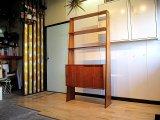 DK Book Shelf FF0582