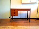 DK Desk TA0375