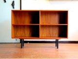 DK Book shelf FF0816