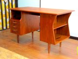 DK Desk TA0437