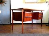 DK Desk TA0516